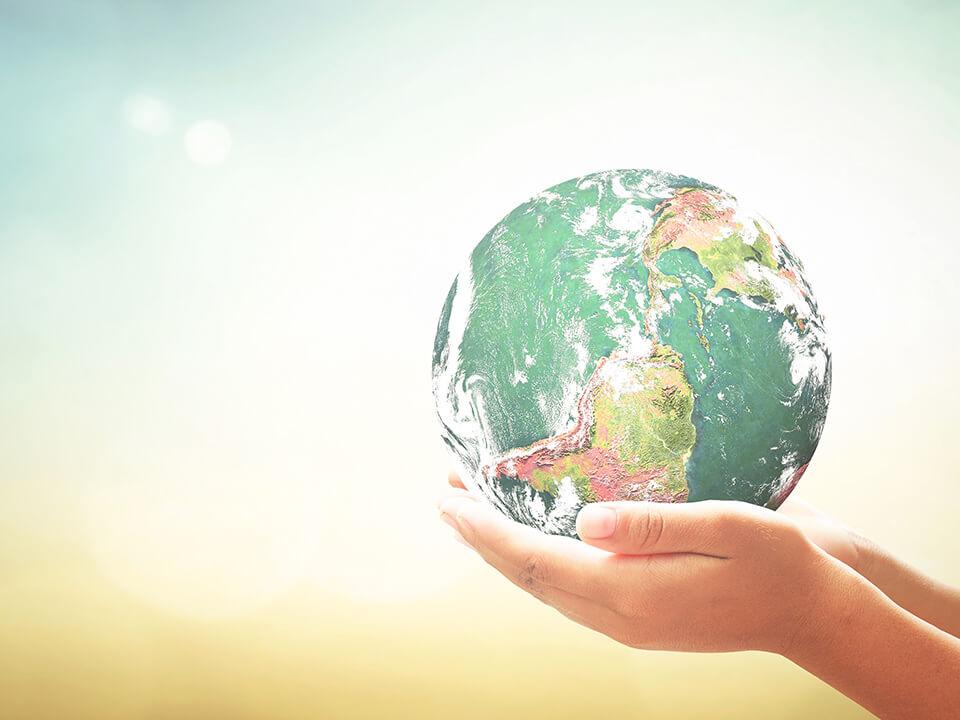 明日への豊かな暮らしのために私たちはグローバルな視点で新しく幅広い商品の提供とサービス・保守を展開し続けています。